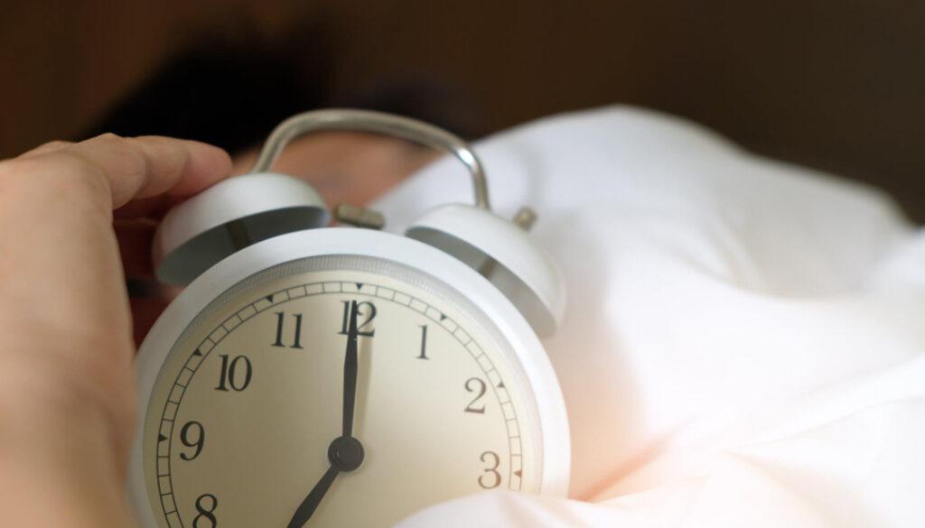 Link Between Lack of Sleep & Alzheimer-smpltec