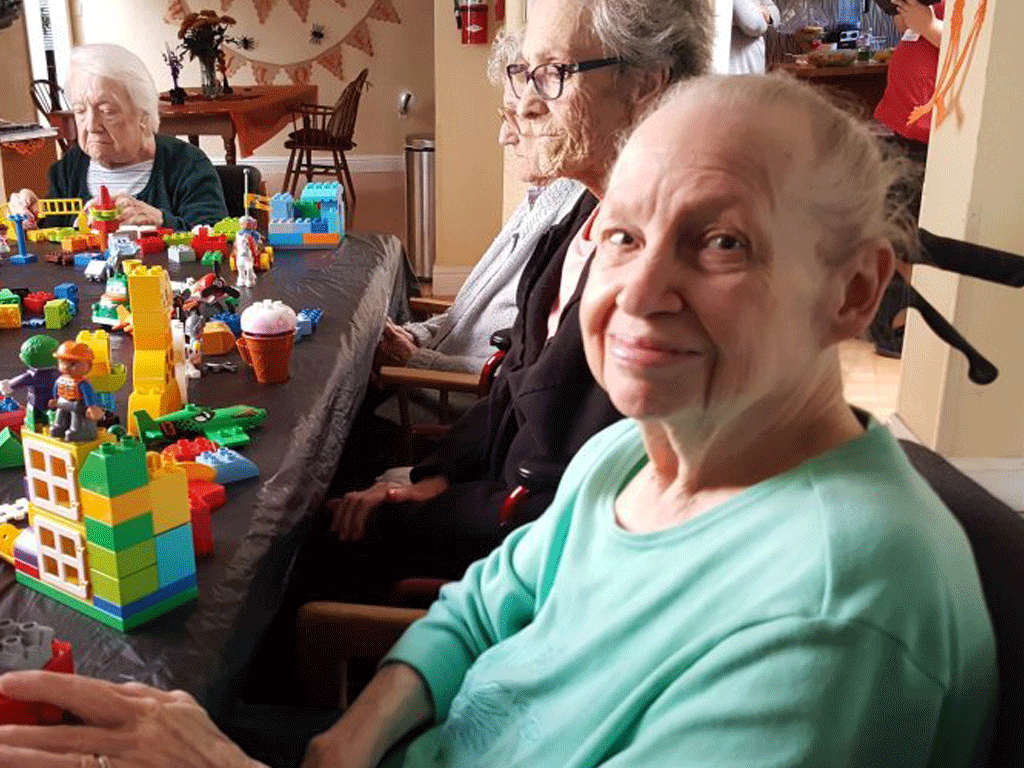Activities-&-games-seniors-can-enjoy-with-their-family-smpltec